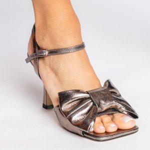 sandalia-verão-2021-laço-grafite-bico-quadrado-inspiração-giuseppe-zanotti-balenciaga-shoes-to-love-loja-online-calçados-femininos-tendencias
